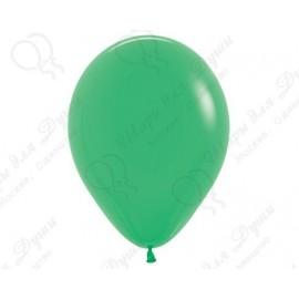 Воздушный шар весенне-зеленый для запуска в небо.